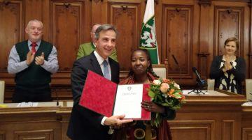 Edith Abawe erhält Menschenrechtspreis